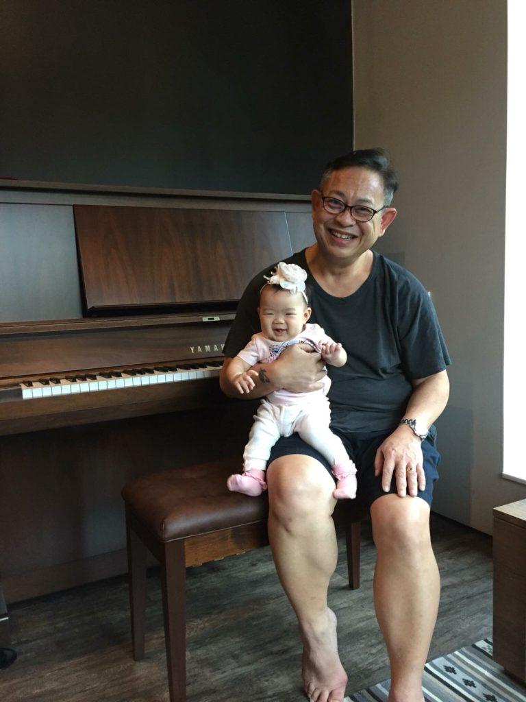 ส่งมอบเปียโน Yamaha W Serie