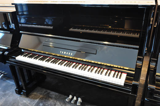 เปียโนมือสองราคาถูก YAMAHA U3
