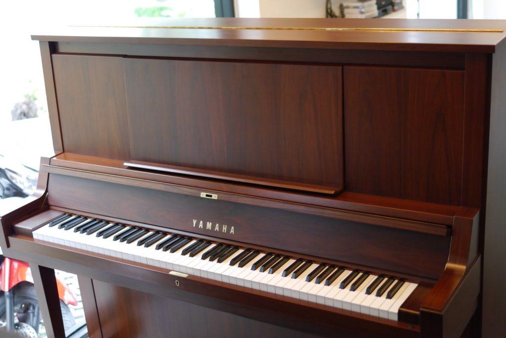 เปียโนไม้มือสอง YAMAHA W102B