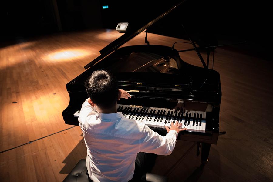 เปียโนยุโรปยี่ห้อไหนดี เปียโนแกรนด์ (Grand Piano)